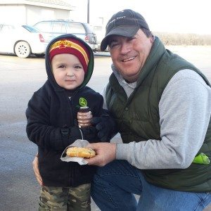 Watch out for those #farmers. They may sneak your kids into Caseys and buy them a treat! Thanks Daren. :)